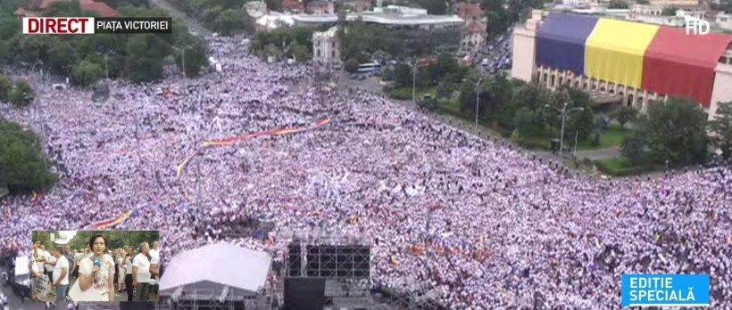 Miting PSD. Mobilizare masivă: Sute de mii de oameni la miting. Membrii Guvernului au ieșit din Palatul Victoria (FOTO+VIDEO) 16