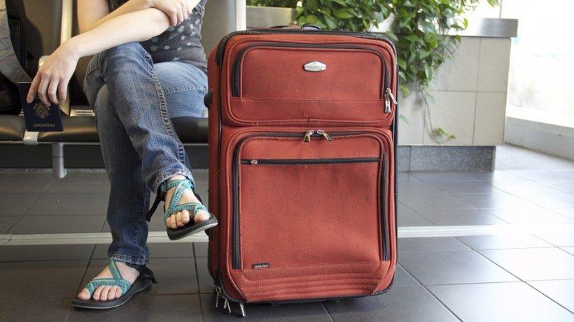 Ce nu trebuie să pui niciodată în sau pe bagajul tău