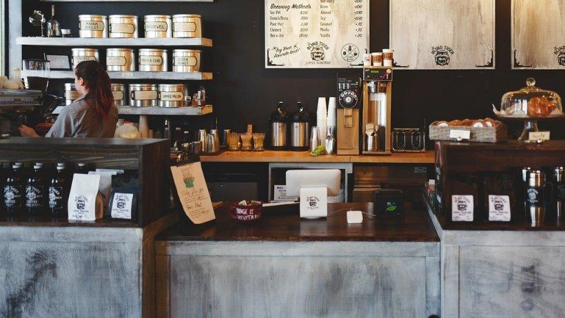 Ce s-ar putea întâmpla dacă ești primul client, dimineața, într-un restaurant sau o cafenea