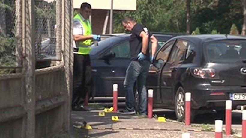 Alertă la Cluj! Cutie suspectă, explodată la mașina unui ofițer ISU. Primele imagini de la fața locului - VIDEO