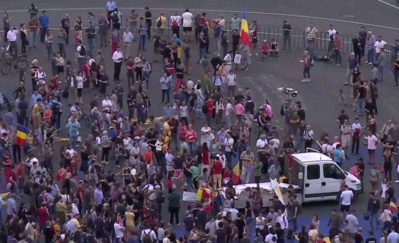 Ce s-a întâmplat în Piața Victoriei, după condamnarea lui Liviu Dragnea