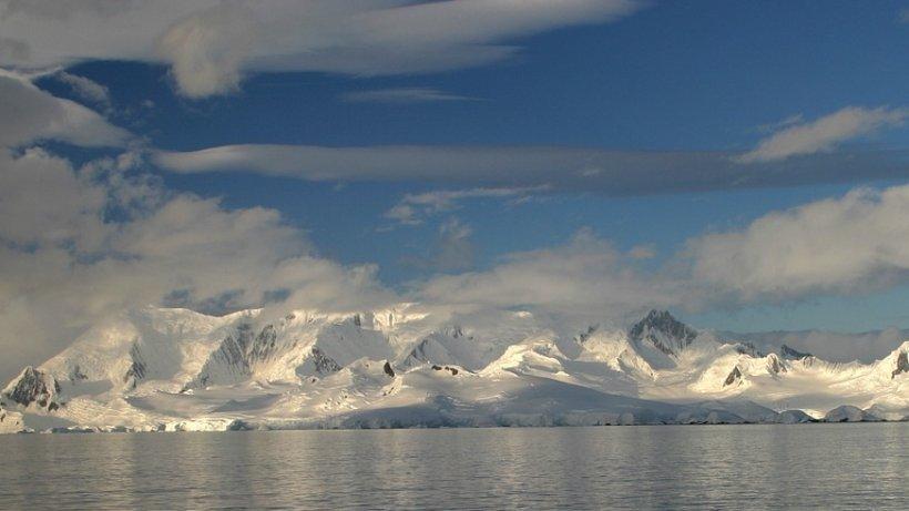 Specialiștii sunt în alertă! Ce se întâmplă cu Antartica