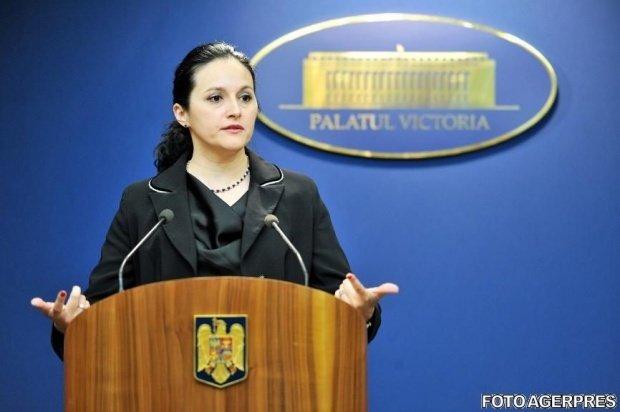 Alina Bica reacţionează după anunţul că va fi data dată în urmărire internaţională