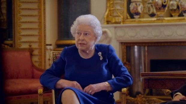 Regina Elisabeta are probleme de sănătate, dar refuză să se opereze
