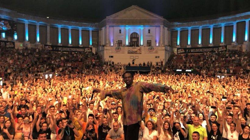 S-au dus aseară la București, la un concert Dr. Alban. Când au auzit ce cântă, s-au enervat cumplit