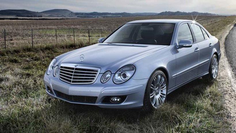 ANAF, super-ofertă la mașini confiscate. Prețul fabulos cu care este vândut un Mercedes E 280 din 2008