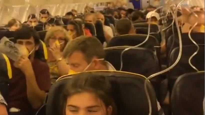 """Aterizare de urgență în Germania!33 de pasageri au ajuns la spital. """"Erau oameni care plângeau și țipau"""" - VIDEO"""