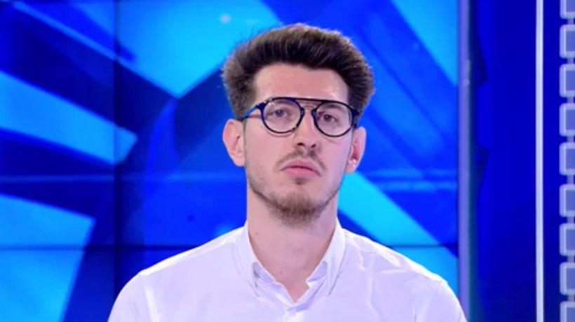 Eroul Zilei. Călin Spiridon, tânărul care îi învaţă pe elevi să îşi aleagă mai uşor facultatea