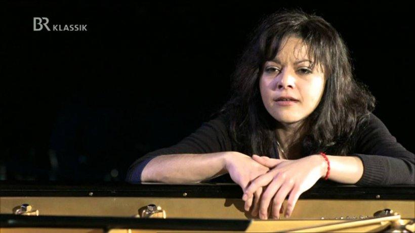 Mama pianistei Mihaela Ursuleasa, Agripina Ursuleasa: Dorul e din ce în ce mai mare