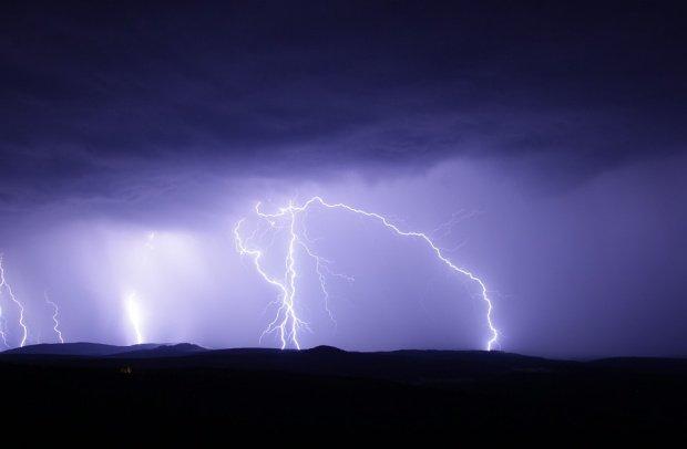 Prognoza meteo pentru intervalul 16 - 29 iulie. Ploi frecvente, în toată țara