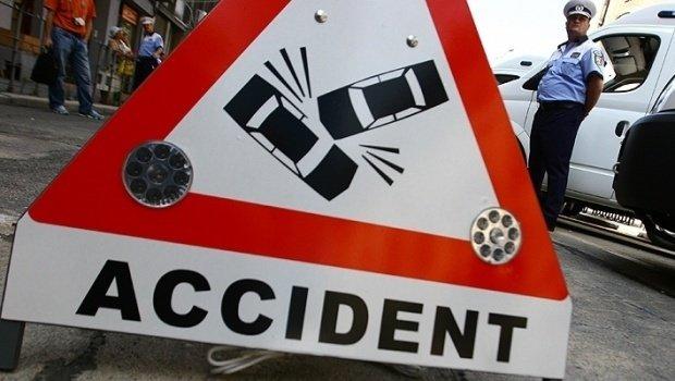Accident rutier pe DN 2, în apropierea localităţii Căldăruşani. Doi minori au fost răniți