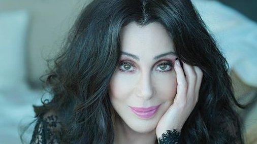 Cher, apariție spectaculoasă după ce a fost la un pas de moarte. Cum arată cântăreața la 72 de ani
