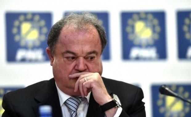 Vasile Blaga revine la butoane în PNL. S-a întâlnit cu foștii lideri din PDL