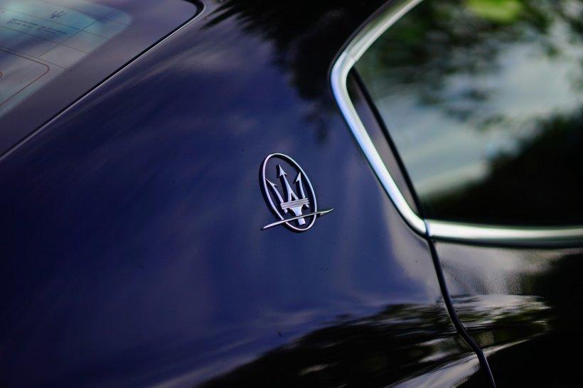 Maserati, scos la vânzare de ANAF la prețul unei Dacii. Cât costă autoturismul