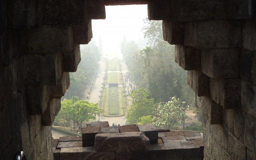 Backpacking Indonezia - între temple și vulcani