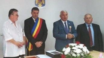 """Prima reacție a primarului din Dâmbovița care și-a acordat titlul de cetățean de onoare: """"E un joc al opoziției și al unui ziar local"""""""