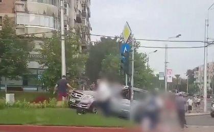 Accident grav în Capitală. O fetiță de cinci ani și tatăl ei au fost spulberați de o mașină
