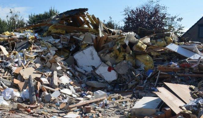 Avertisment de la Banca Mondială: Foarte multe clădiri ale serviciilor de urgenţă din România riscă să se prăbuşească la cutremure