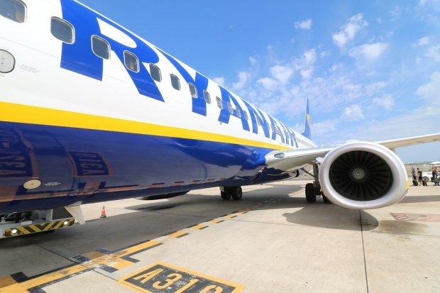 25 de copii din România, blocați pe un aeroport din Londra, după ce un zbor Ryanair a fost anulat
