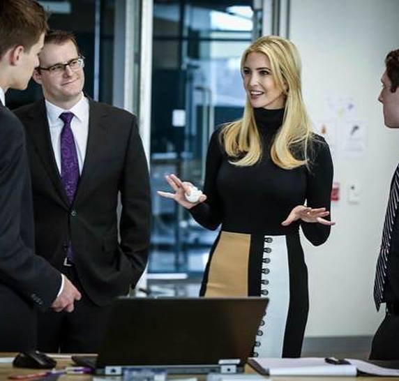 Ivanka Trump își închide compania de îmbrăcăminte