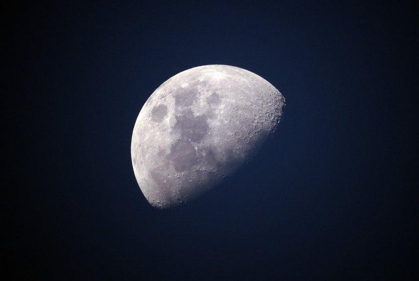 Oamenii de stiință susțin că a existat viață pe Lună