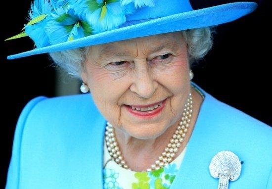 Gestul şocant făcut de Regina Elisabeta la moartea Prinţesei Diana.A fost singura dată când a făcut acest lucru - VIDEO