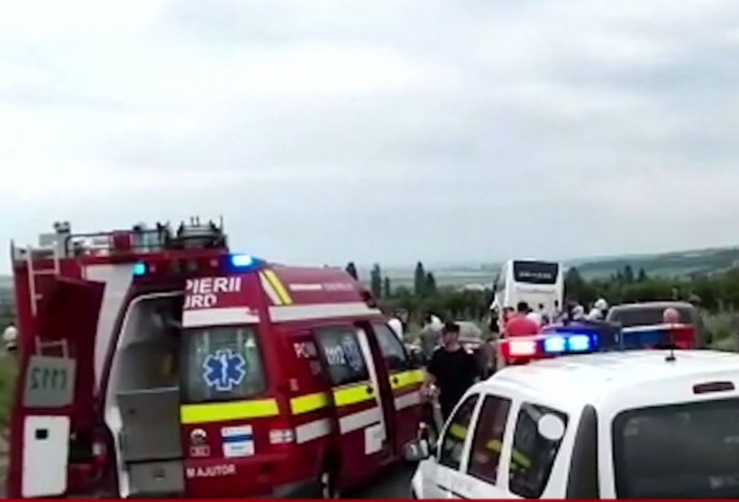 Accident grav în Gorj, cu un microbuz: mai multe victime. Planul roșu de intervenție a fost activat