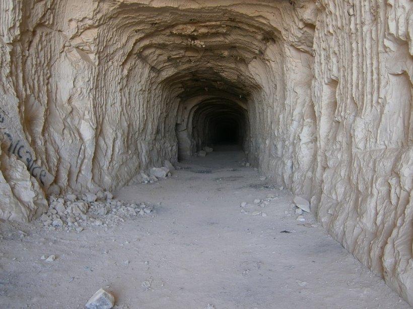 A fost ținută captivă într-o peșteră timp de 15 ani. Ce a pățit femeia este de-a dreptul șocant