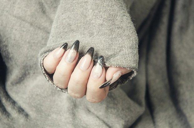 Pericolul uriaș la care te expui dacă îți faci unghiile cu gel sau cu acril 132