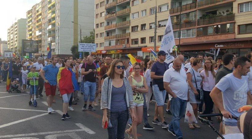 PROTESTE. Mii de oameni în stradă și în restul țării