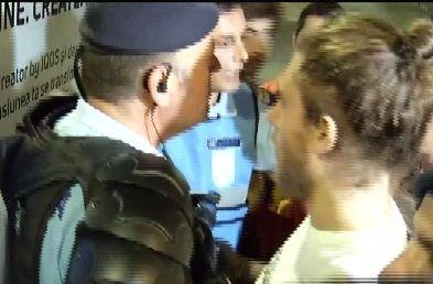 Caz șocant la Sibiu. Un protestatar ridicat de Jandarmerie la cererea celorlalți oameni