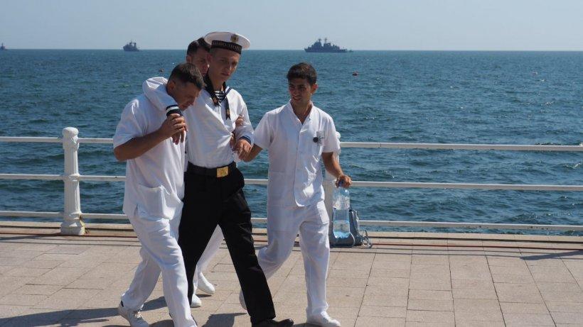 Incidente la Ziua Marinei.Doi militari care participau la festivităţiau avut nevoie de îngrijiri medicale