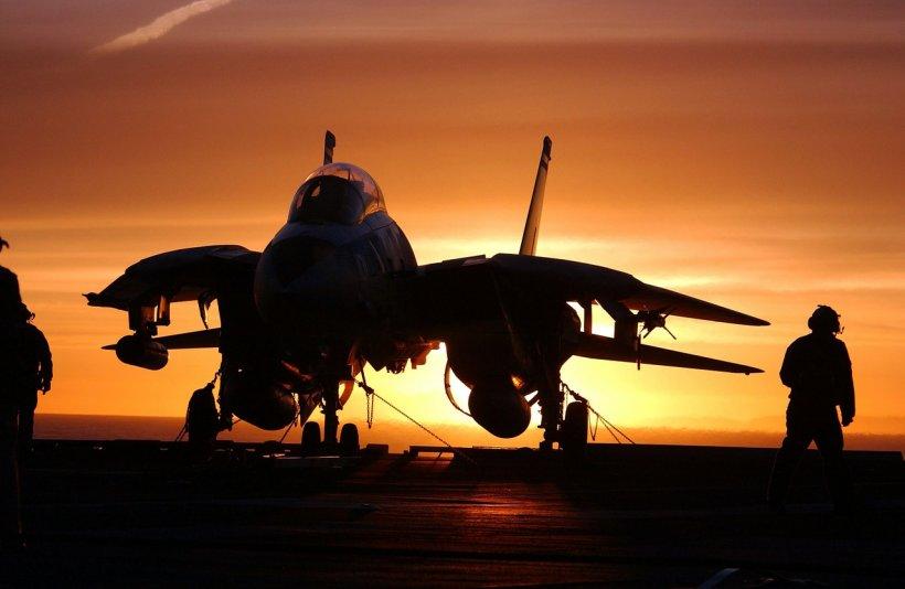 Şase bombardiere ruseşti au fost interceptate deasupra Mării Negre de către avioane de vânătoare britanice