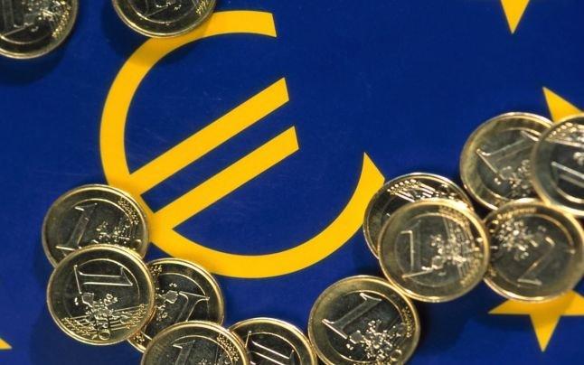 CURS VALUTAR 16 august. Leul, ușoară apreciere față de euro