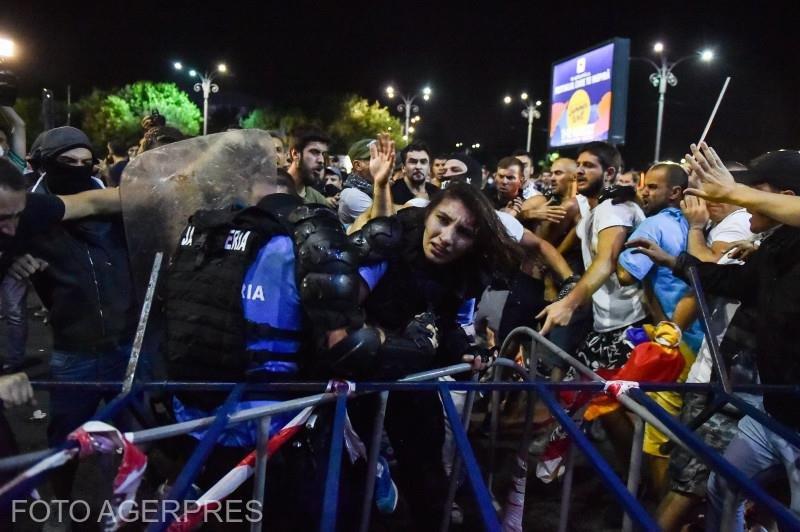 Noi imagini de la protestul de pe 10 august din Piața Victoriei