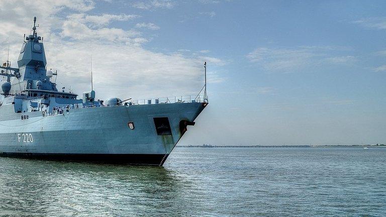 O fregată rusească a tras cu muniție de război în Marea Neagră