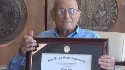 Caz uluitor în California! A terminat colegiul, însă și-a primit diploma de absolvire după 83 de ani de așteptare