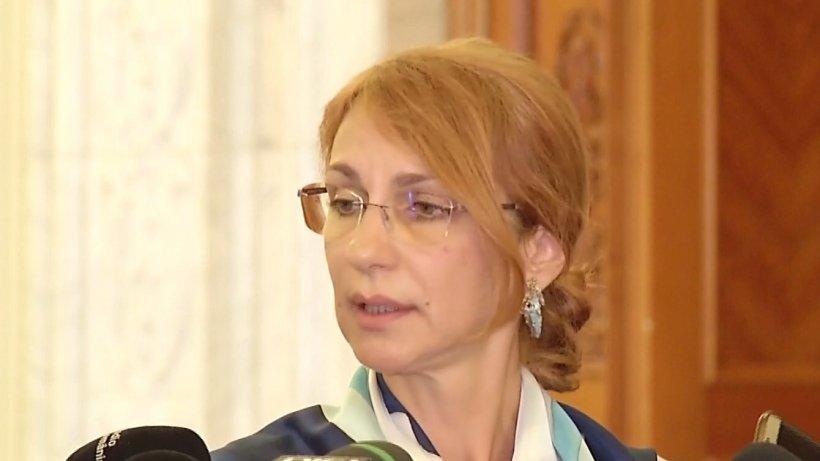 Solicitarea opoziţiei de convocare a Camerei Deputaţilor în sesiune extraordinară a fostrespinsă. Deputat PSD: Cererea nu întruneşte toate prevederile legale