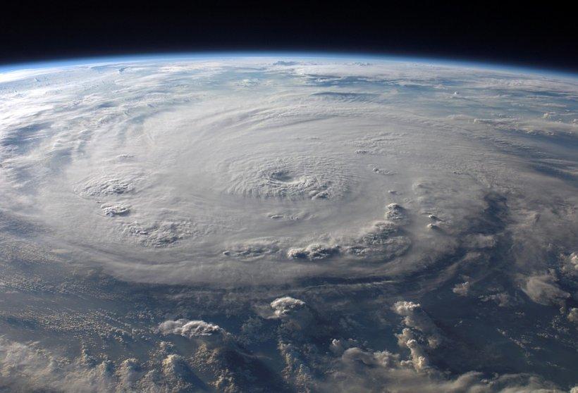 Un uragan se îndreaptă spre Hawaii