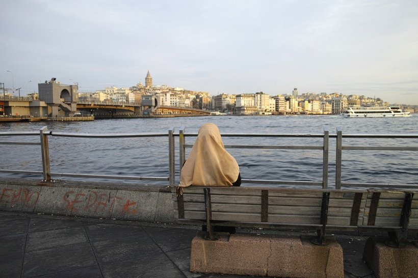 Unei românce din Turcia i-a venit ideea să dea o iconiță cu Maica Domnului unei biserici. Imediat după ce a făcut asta au început necazurile!