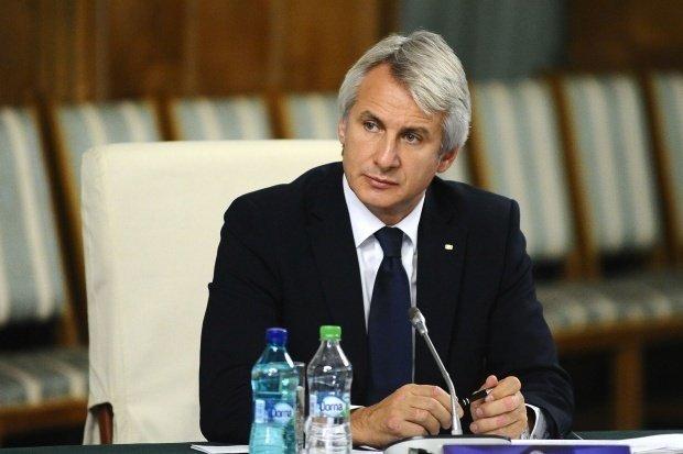 Eugen Teodorovici, răspuns pentru Klaus Iohannis: Îl somez în mod public pe preşedinte să înceteze cu aceste aprecieri total nejustificate la adresa Guvernului