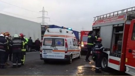 Două persoane care se deplasau cu o bicicletă, lovite de un autoturism în Buzău; una a decedat