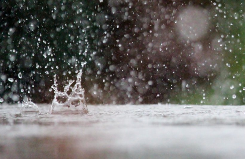 Alertă meteo: Cod galben de ploaie în 25 de județe până luni seară