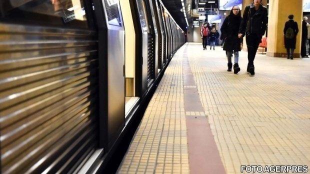 Incident la metroul bucureștean. Un tren cu 2.000 de călători, la un pas să deraieze