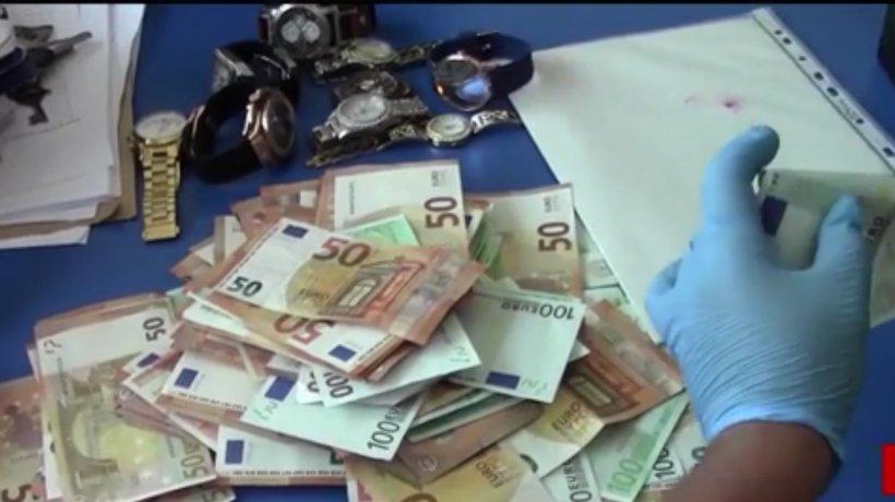 Jaf ca-n filmele de acţiune la Drobeta Turnu Severin. Doi dintre hoţi sunt daţi în urmărire naţională - VIDEO