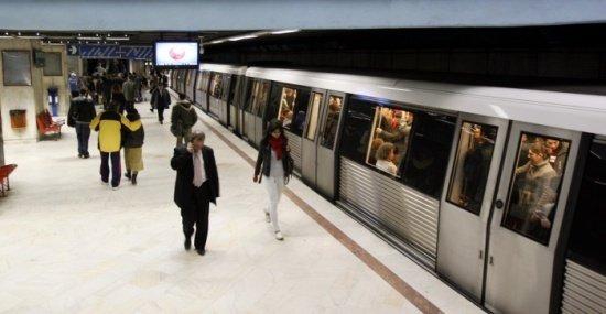 Sindicaliștii de la Metrou pichetează sediul Guvernului