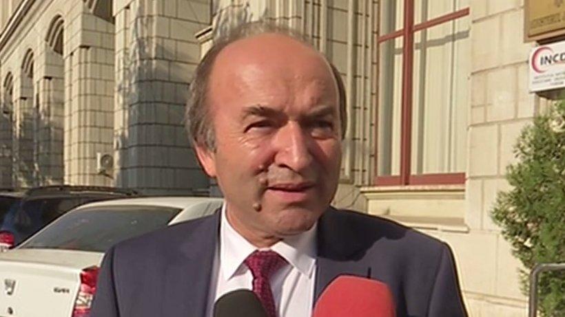 """Tudorel Toader, după acuzațiile lui Augustin Lazăr: """"Fiecare se exprimă după cum îi dictează limitele de înțelegere"""""""