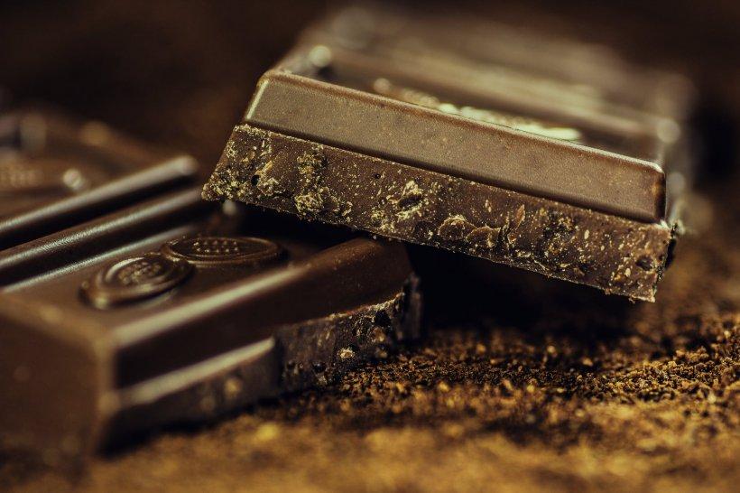 Cercetătorii spun că ciocolata, consumată în cantitate moderată, reduce riscul producerii unui infarct