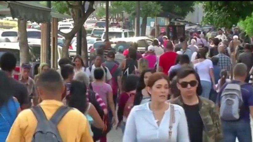 Problemele se ţin lanţ în Venezuela. După cutremurul puternic de marţi, capitala a rămas acum în beznă