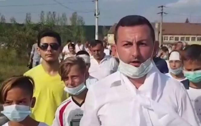Aproape 3.000 de oameni din orașul Rovinari protestează față de o decizie luată de Guvern